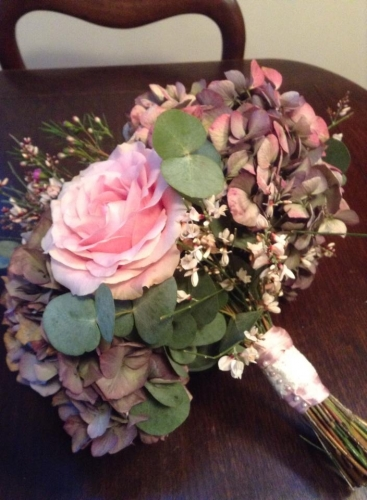 Large autumnal Hydrangea & sweet avalanche rose bouquet