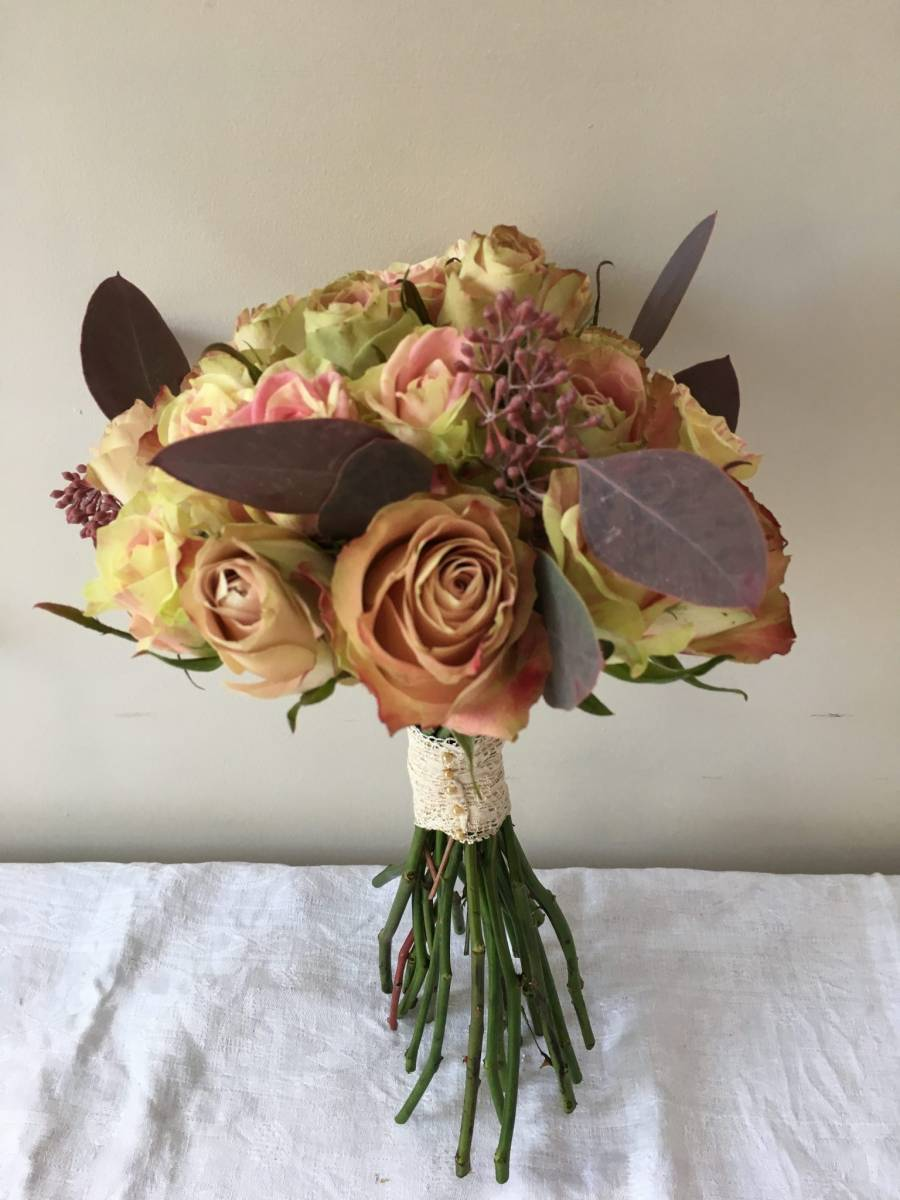 Bridal bouquet cupcake & new look rose with populus