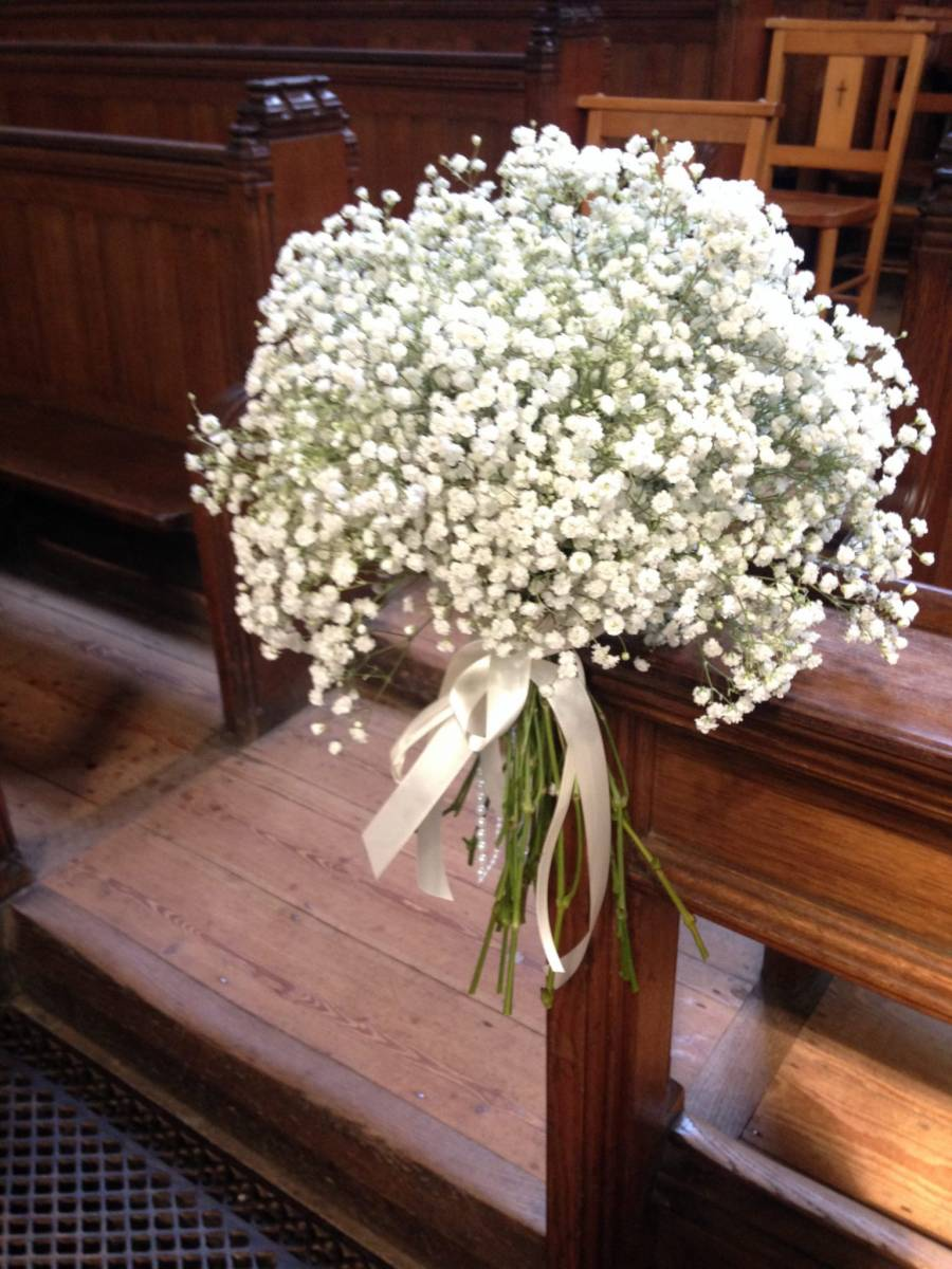 Large gypsophila 'excellence' pew end